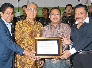 Award to Brigjen TNI Dr. Terawan Agus Putranto Sp.